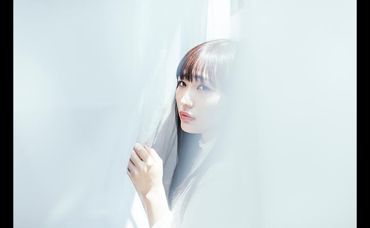 安月名莉子インタビュー アニメ『やがて君になる』オープニングテーマでデビューするシンガーソングライターの素顔